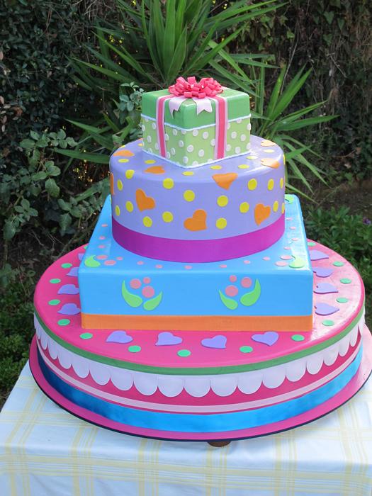 Torta finta per compleanno